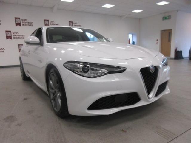 Image for 2020 Alfa Romeo Giulia 2.2 JTD Super-160bhp- Leather-3d SAT Nav-d. n. a-sports Steering-sensors-bluetooth