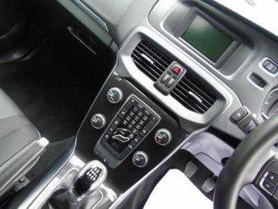2017 Volvo V40