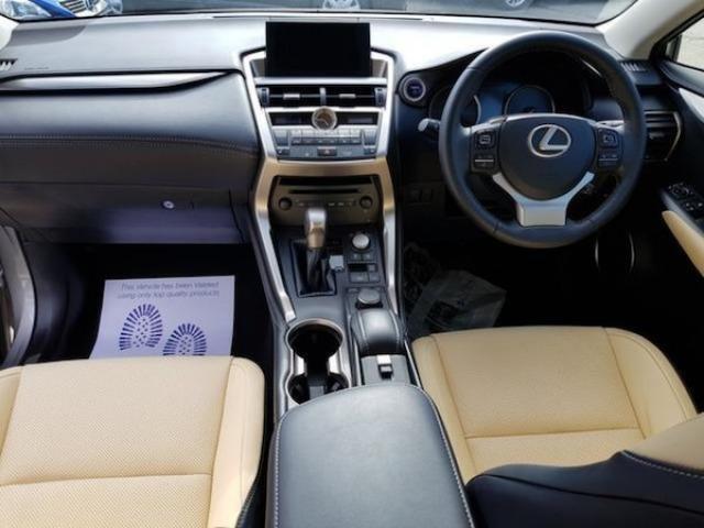 Image for 2015 Lexus NX 300h 2.5 300H Luxury Auto 4WD cream Leather Int