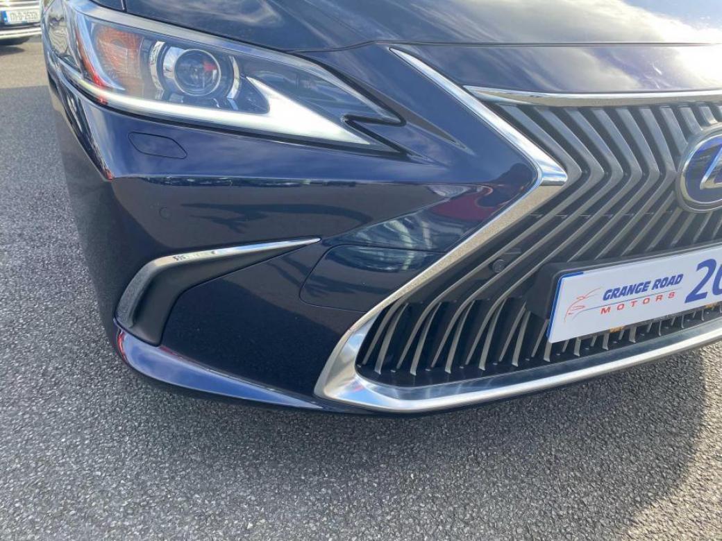 2019 Lexus ES 300h