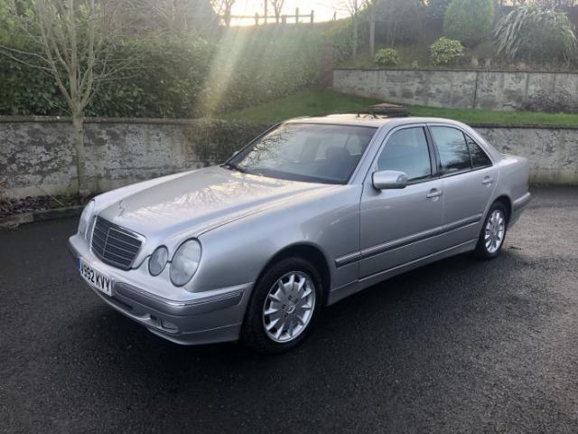 Image for 1999 Mercedes-Benz E 240 1999 (V) Mercedez-Benz E240 V6 Elegance Saloon 4d auto Only 45, 000 miles with full service record !