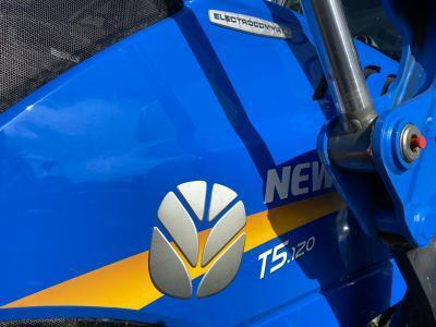 2019 New Holland T5