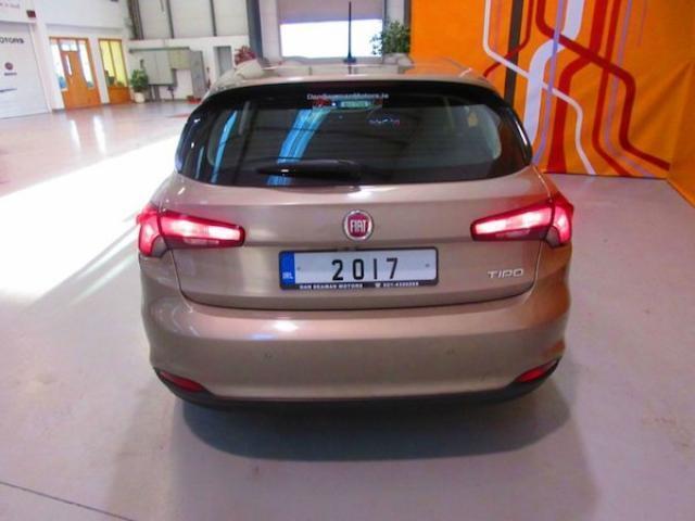 Image for 2017 Fiat Tipo SAT Nav-camera-sensors-alloys-cruise-bluetooth-mp3-1.4 Petrol Lounge