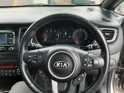2017 Kia Carens