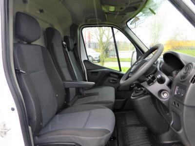 2019 Nissan NV400