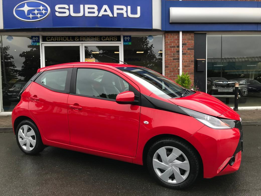Image for 2018 Toyota Aygo VVT-I X-PLAY LOW MILEAGE - Stunning Red + SUPER FINANCE DEALS (frm €42 pw t&c apply ) TOP TRADE-IN ALLOWANCES - FULLY SERVICED & FULL S. I. M. I APPROVED DEALER WARRANTY -