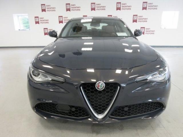 Image for 2020 Alfa Romeo Giulia 2.0 Petrol 200 BHP Speciale-leather-sat Nav-camera-alloys-cruise-alfa D. n. a-lane Departure