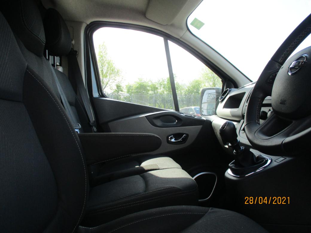2019 Nissan NV300