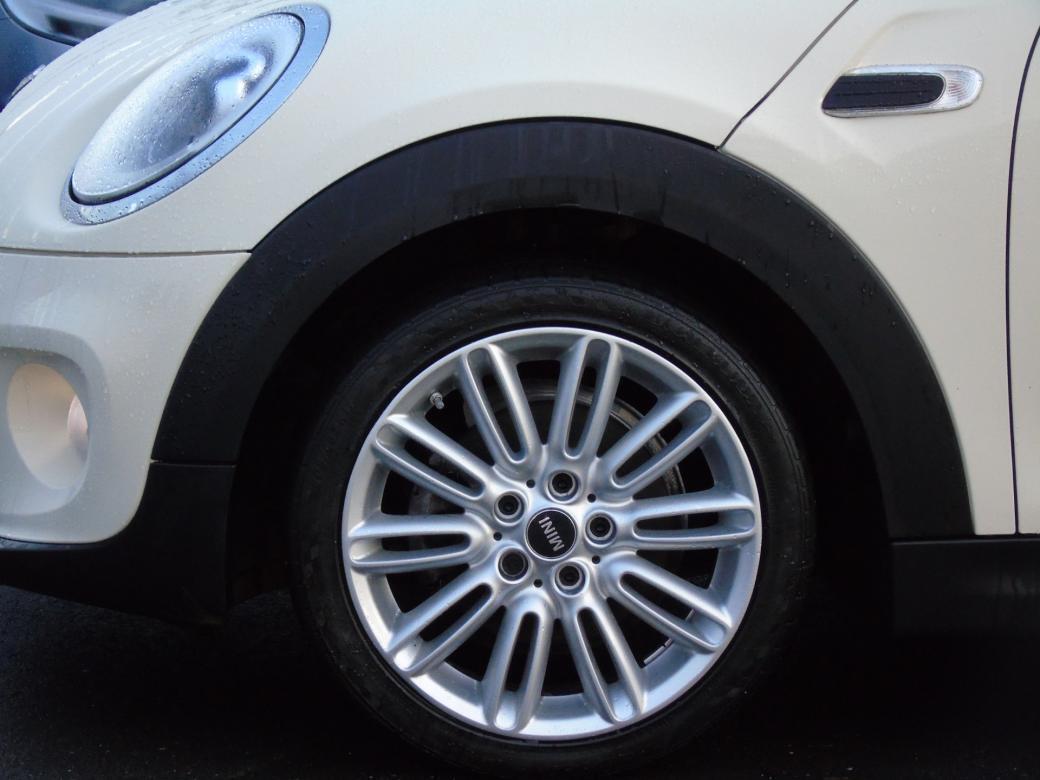 2018 Mini Hatch