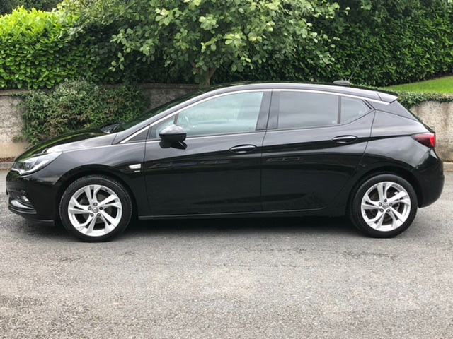 Image for 2017 Vauxhall Astra 1.6CDTI SRI 5Door