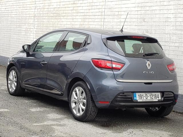 Image for 2019 Renault Clio 0.9 DYNAMIQUE MODEL // RENAULT WARRANTY // SAT NAV // BLUETOOTH // CRUISE CONTROL // FINANCE THIS CAR FOR ONLY €49 PER WEEK