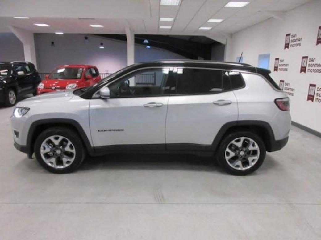 Image for 2020 Jeep Compass 1.6 120BHP Limited TWO Tone leather park Assist SAT Nav heated Seats Steering Wheel