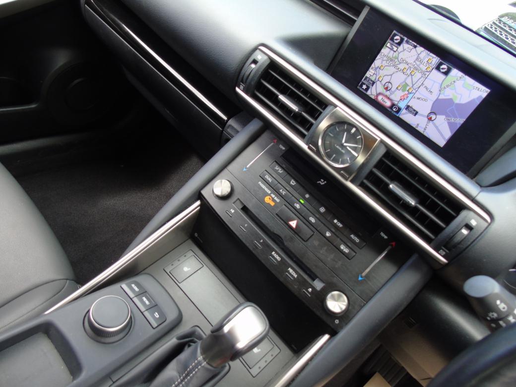 2018 Lexus IS 300h